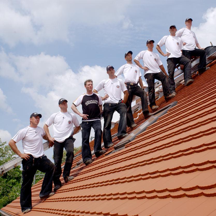 das Team auf dem Bieberschwanz-Dach