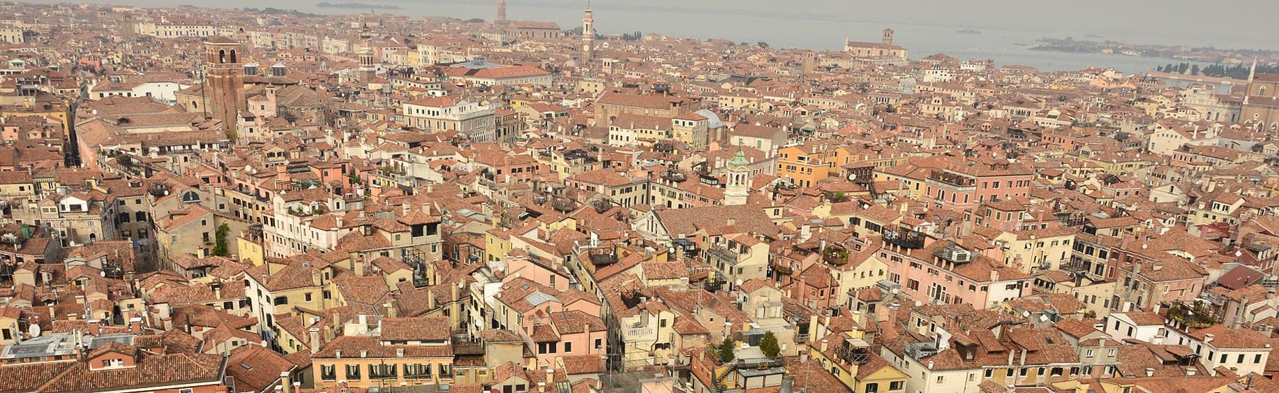 Dächer über der Stadt
