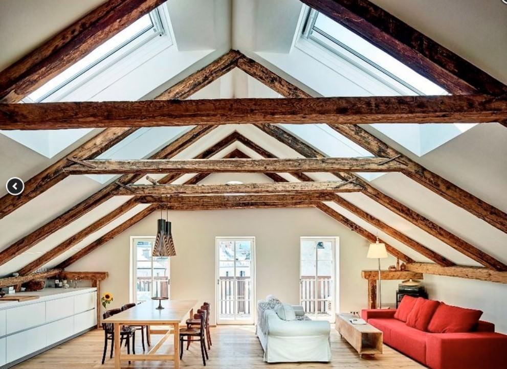 Als Dämmung für die oberste Geschossdecke bieten sich zweierlei Maßnahmen an, je nachdem ob der Dachboden begehbar ist oder nicht