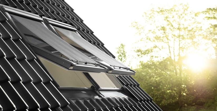 Zudem soll die Etage weitestgehend offen gestaltet werden. Ein Bad darf bei der Planung für den Dachgeschossausbau nicht fehlen.